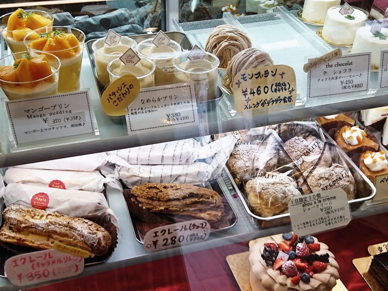 パティスリールパンの商品棚