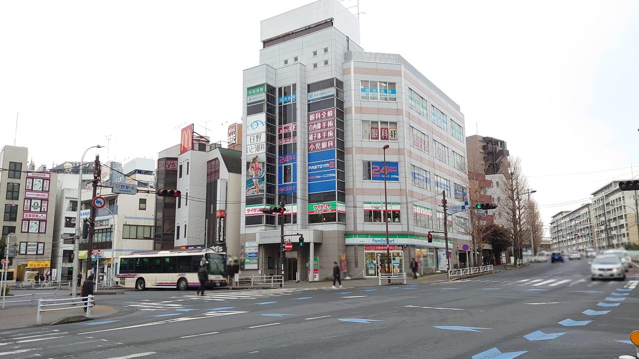 日野駅ロータリー側